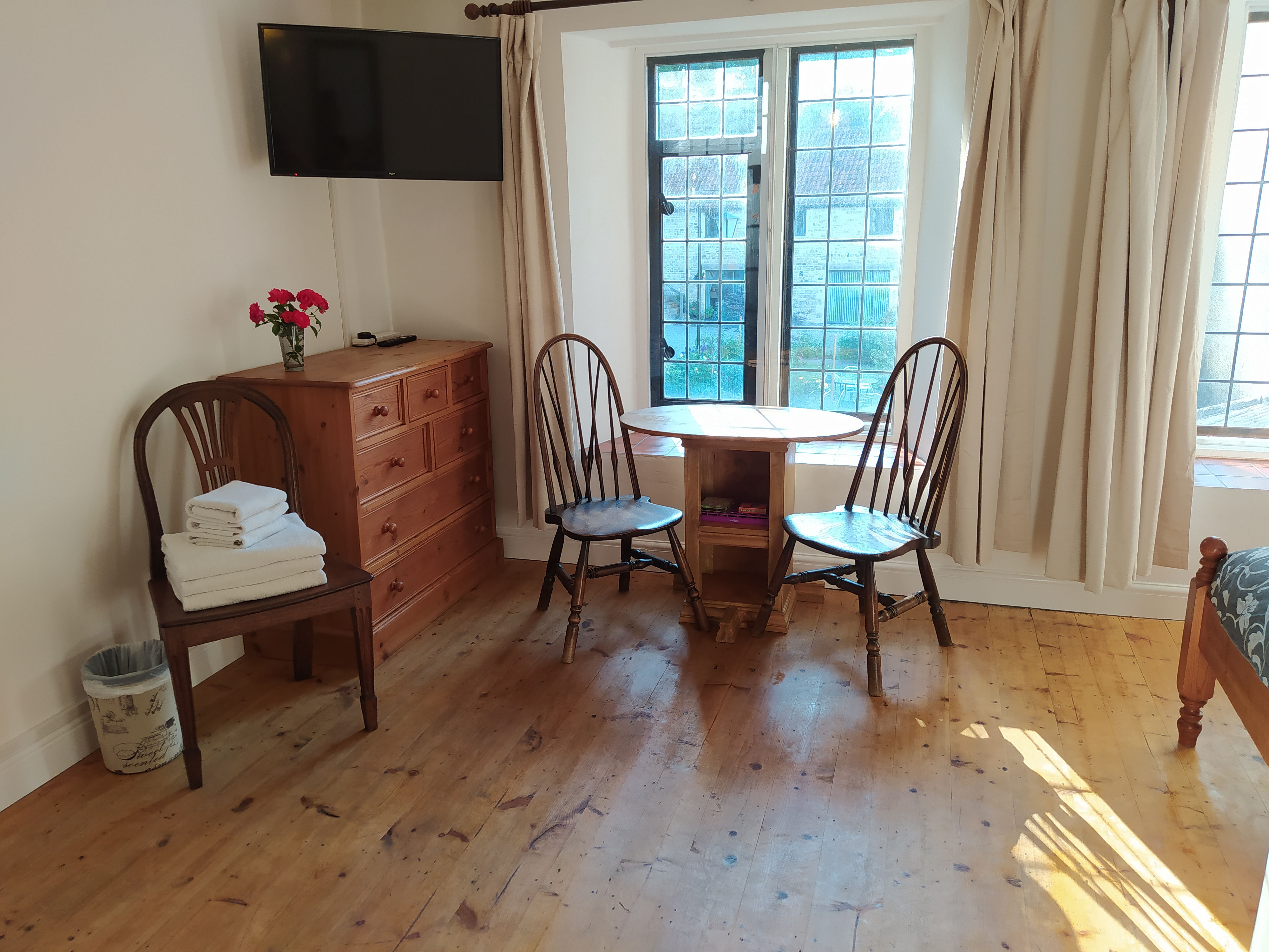 West Country large twin room